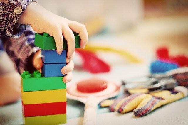 Cómo ayuda un Neuropediatra a tratar eventos psicológicos en los niños