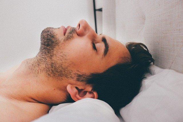 Síndrome de apnea obstructiva del sueño en población adulta, características