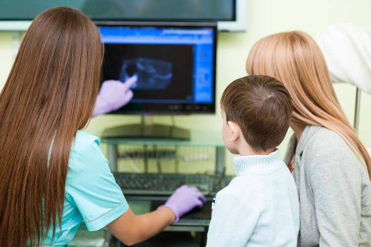 ¿En qué momento debo llevar a mi hijo con un neurólogo pediatra?